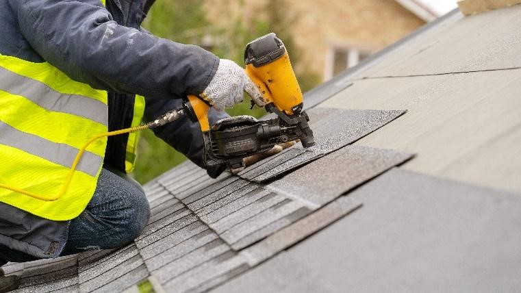 Comprehensive roofing services in Roselle
