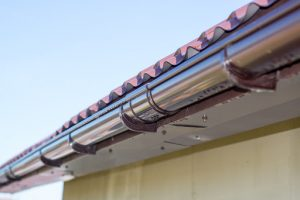 Seamless gutters in Itasca